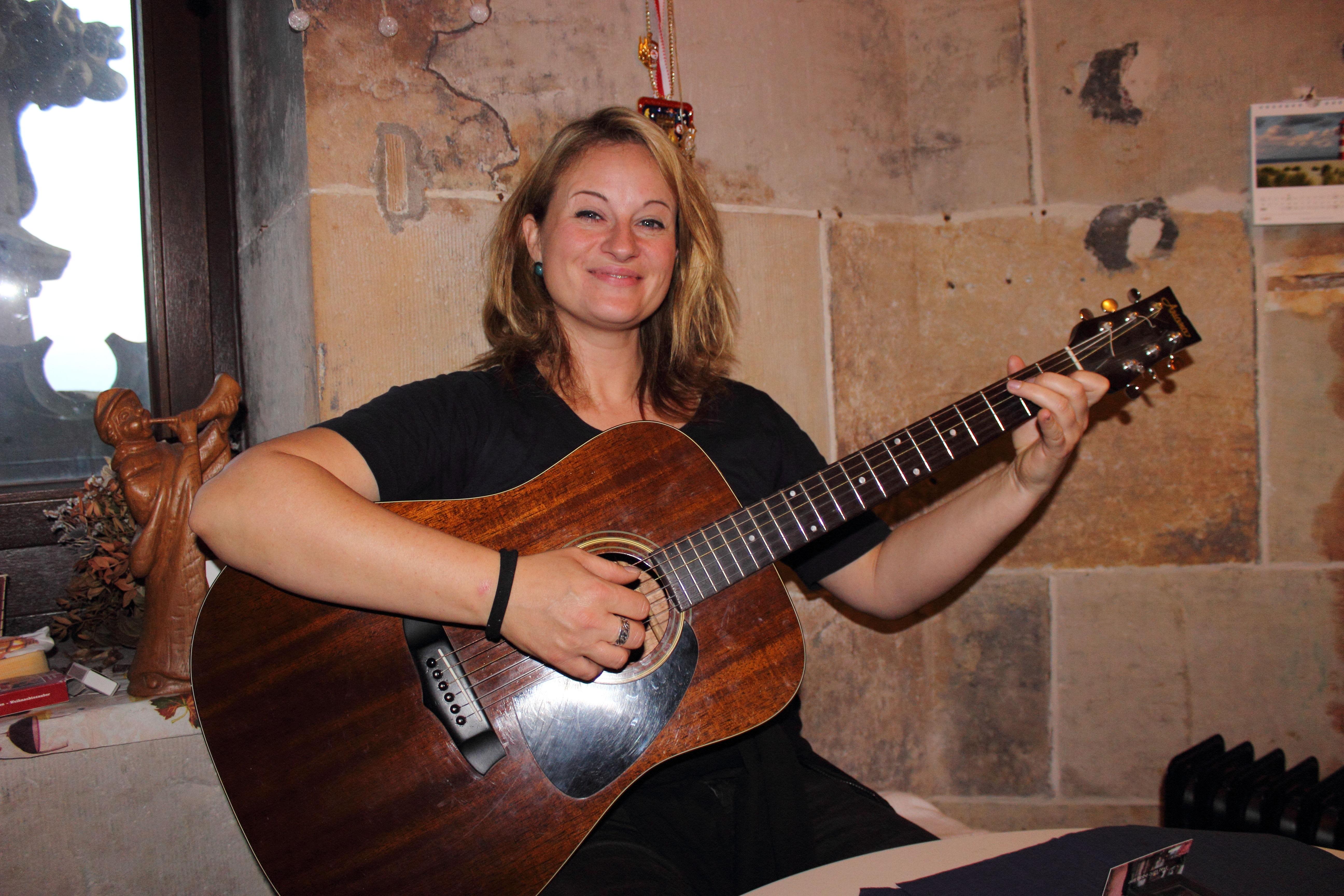 Türmerin von Münster Martje Saljé Gitarre