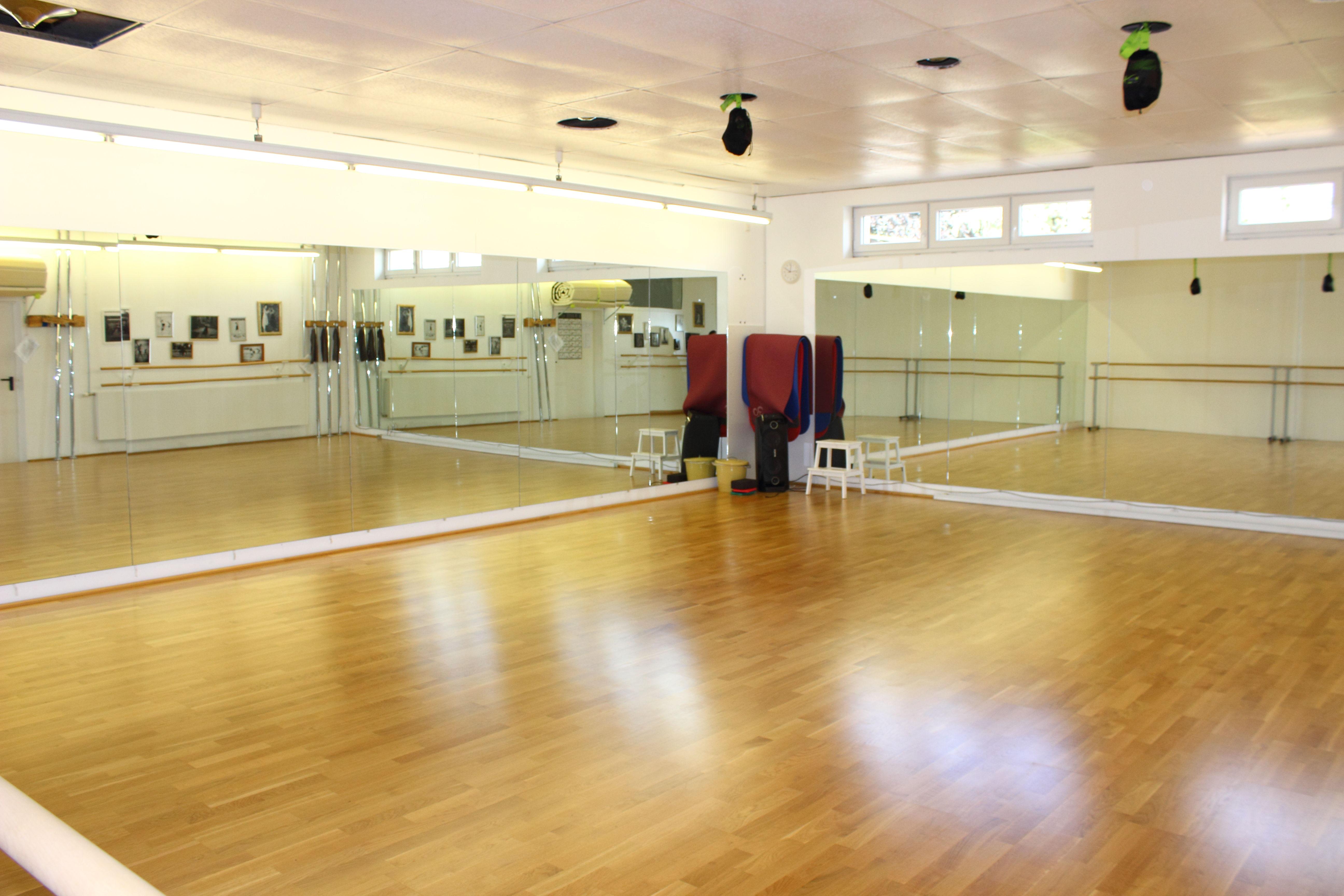Dance Department Tanzsaal